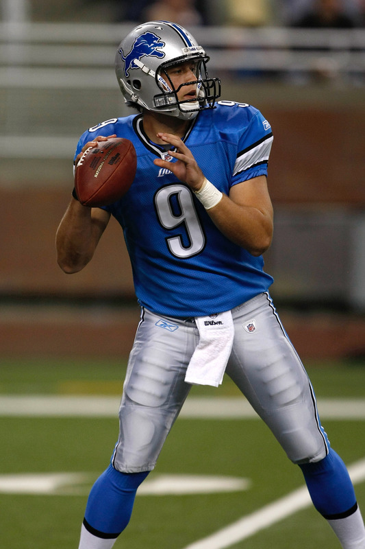 Matthew Stafford looking to pass in 2009.